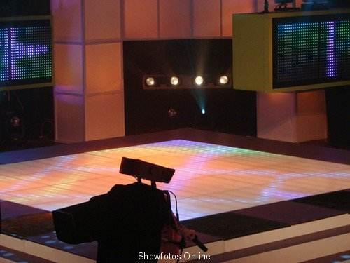 Avro junior song led pixel floor -2